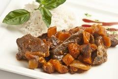 Ragoût de viande avec des carottes Photos libres de droits