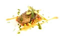 Ragoût végétal avec de la viande et la sauce à pesto Image stock