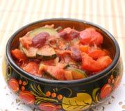 Ragu av köttbullar med grönsaker Fotografering för Bildbyråer