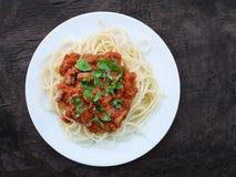 Ragu napoletano con gli spaghetti sopraelevati Fotografia Stock