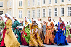 RAGUE,捷克- 2016年9月04日:再en的高尚的妇女 库存照片