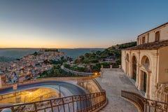 Ragusa Ibla i Sicilien i ottan Arkivfoton