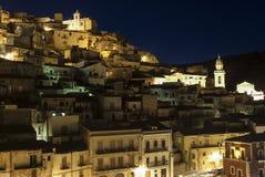 Ragusa på natten Sicilien Italien Europa Arkivbild