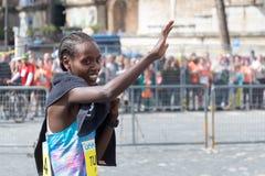 Rahma Tusa Chota wint de 24ste uitgave van de Marathon van Rome Royalty-vrije Stock Fotografie