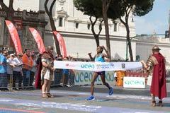 Rahma Tusa Chota wint de 24ste uitgave van de Marathon van Rome Stock Foto