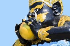 Rahu det mytiskt av mörker på Wat Saman Rattanaram royaltyfri bild