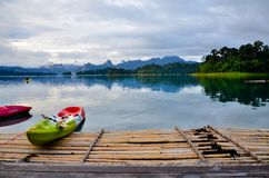 500 Rai Erholungsort an Nationalpark Khao Sok lizenzfreie stockfotos