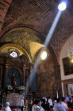 Raia de luz na igreja Foto de Stock Royalty Free