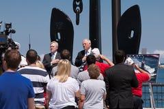 Raia Mabus e pancadinha Quinn na cerimónia de USS Illinois Imagens de Stock