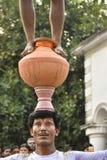 Raibenshe, alternatief Raibeshe, is een genre van Indische volks krijgsdiedans door slechts mannetje wordt uitgevoerd Dit genre v stock afbeeldingen