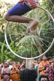Raibenshe, alternatief Raibeshe, is een genre van Indische volks krijgsdiedans door slechts mannetje wordt uitgevoerd Dit genre v royalty-vrije stock afbeeldingen