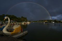Raibow στη λίμνη Στοκ εικόνες με δικαίωμα ελεύθερης χρήσης