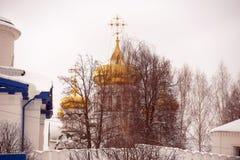 Raifsky moder av gudkloster i vinter arkivfoto