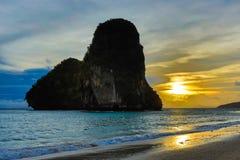 Railay strand i Krabi Thailand askfat royaltyfri foto