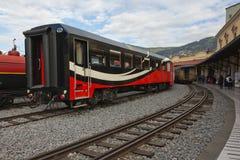 Railcars velhos e novos Fotografia de Stock