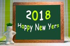 Raillez, sur le fond en bois de marqueurs, et le fond pour l'insertion, 2018, nouveaux yers heureux Photos stock