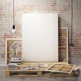 Raillez vers le haut des cadres et de la toile d'affiches à l'arrière-plan d'intérieur de grenier Photo stock