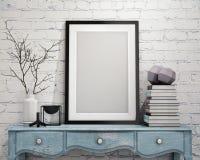 Raillez vers le haut du cadre d'affiche sur le coffre de vintage des tiroirs, intérieur Photo libre de droits