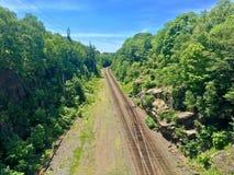 Railroad dans la forêt de Halifax, Nouveau Brunswick, Canada photographie stock