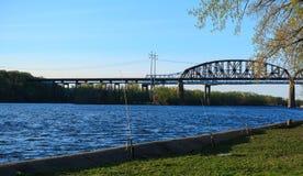 Railroad el puente en el parque de estado de Schodack en Hudson River fuera de Albany NY Imágenes de archivo libres de regalías