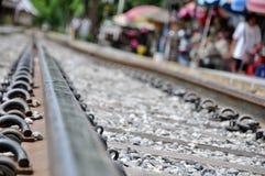 Railroad la prospettiva di modo ed il ciottolo, viaggio concettuale Fotografia Stock