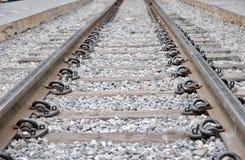 Railroad la prospettiva di modo ed il ciottolo, viaggio concettuale Immagine Stock Libera da Diritti