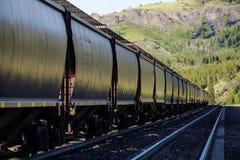 Railroad los coches de la tolva imágenes de archivo libres de regalías