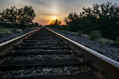 Railroad no por do sol imagem de stock