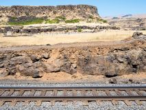 Railroad tracks running along the canyon wall in Washington state, USA stock photography