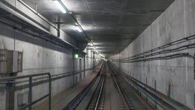 Rails de souterrain dans le tunnel Images stock