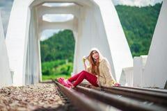 rails kvinnabarn Fotografering för Bildbyråer