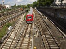 Railtracks i bussgarage Arkivfoton