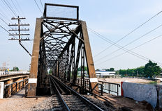 railway металла моста старый Стоковые Изображения