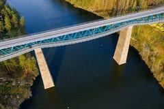 Free Railway Bridge Over Lake  Royalty Free Stock Images - 185401959