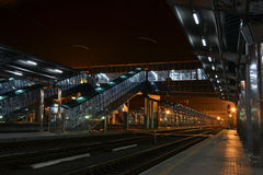 Railway station. In the evening without people Royalty Free Stock Photos