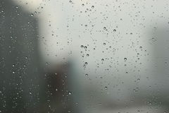 Rain drops against a window Royalty Free Stock Photography