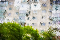 Rain drops falling Royalty Free Stock Photos