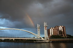 Rainbow ai Quays di Salford Immagine Stock