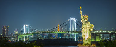 Rainbow Bridge by night, Odaiba - Tokyo Stock Photo