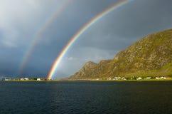 Rainbow norvegese vicino a Alesund Fotografie Stock