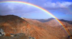 Rainbow sopra il rumorosa fotografia stock