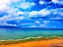 Rainbow sopra l'oceano Fotografie Stock Libere da Diritti