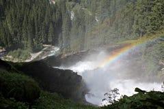 Rainbow sopra la cascata Immagini Stock Libere da Diritti