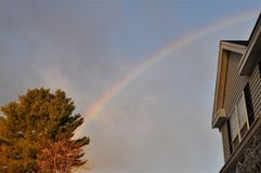 Rainbow in una di periferia Fotografia Stock Libera da Diritti