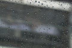 Raindrop przy nadokiennym samochodem Obraz Royalty Free