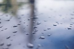 Raindrops na metal powierzchni abstrakta tle Obraz Royalty Free