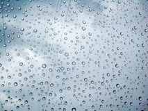 Raindrops on window glass background Royalty Free Stock Photos