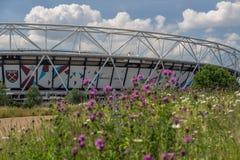 A rainha Elizabeth Olympic Park com Aquatics centra-se, Londres foto de stock royalty free