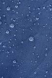 Rainproof лист шатра с падениями дождя Стоковое Фото