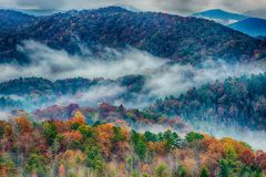 Free Rainy Autumn Day In The Great Smoky Mountains Royalty Free Stock Photo - 119038285